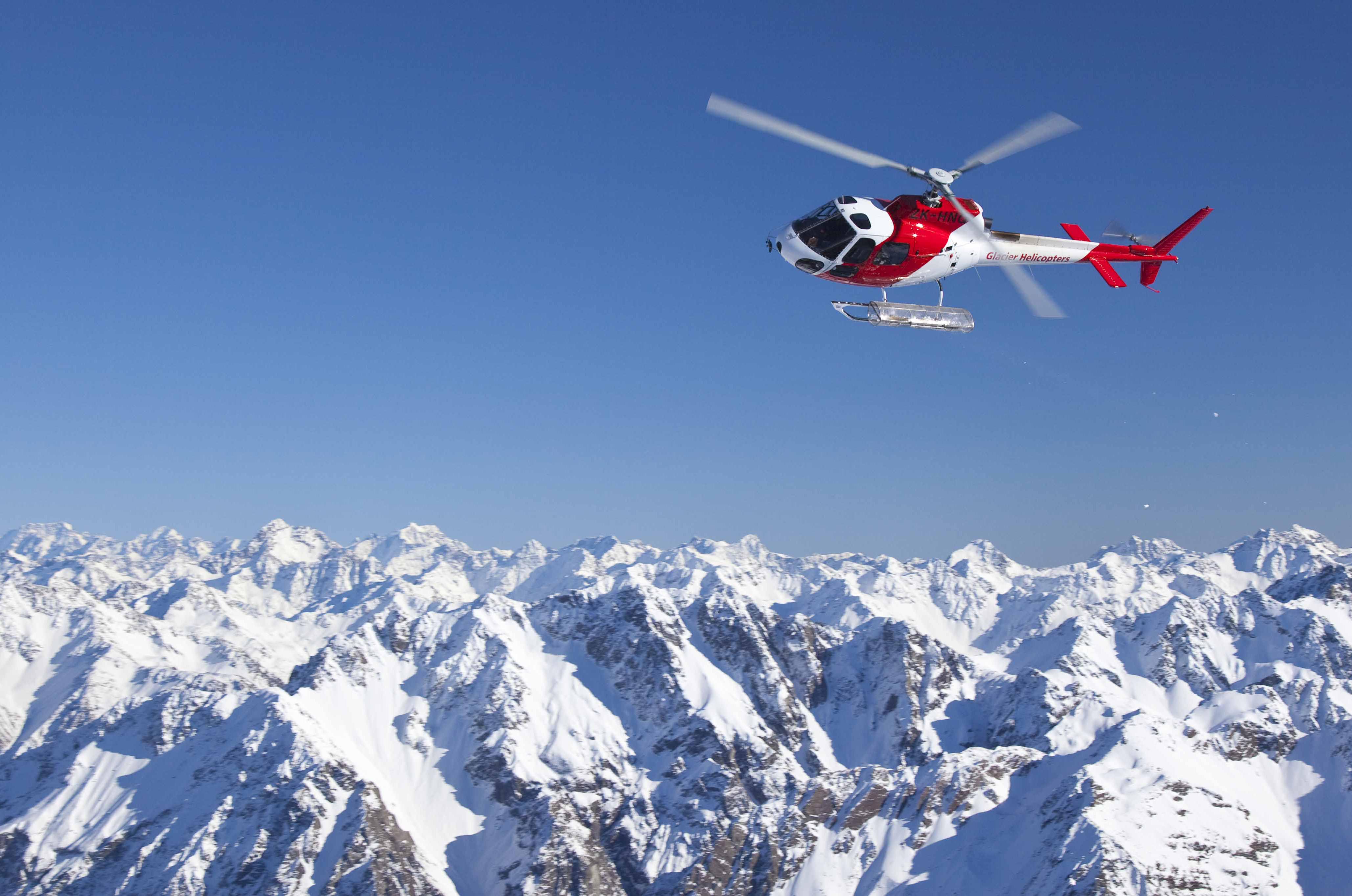 Helicopter in the Alps to your luxury and bespoke skiing adventure over Christmas