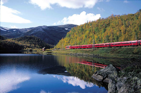 Lake and mountains train trip with Bergen Railway Scandinavian landscapes