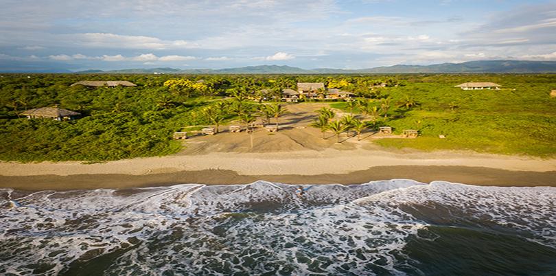 Las Tanusas beach Ecuador